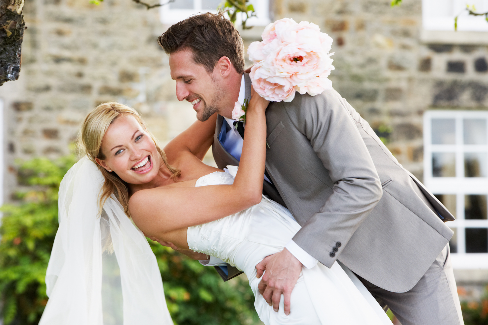Happiedays make your own wedding newspaper
