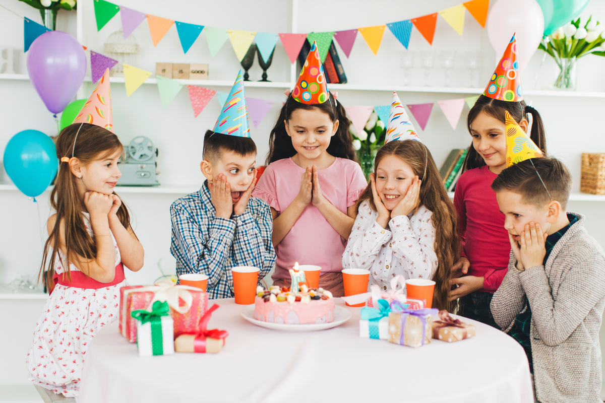 make a personalised birthday newspaper for a unique birthday gift - Happiedays