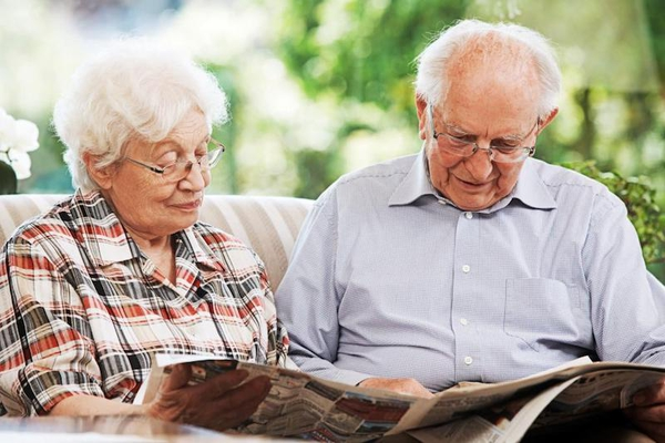 Make a homemade newspaper for your grandparents - Happiedays